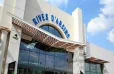 centre commercial Rives d'Arcins