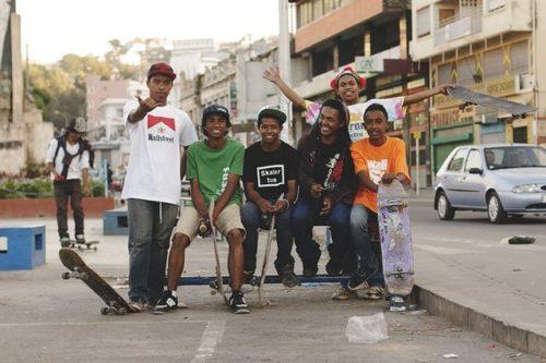 20130224_img_9999_47_web-skater_band-tananarive-madagascar-640w